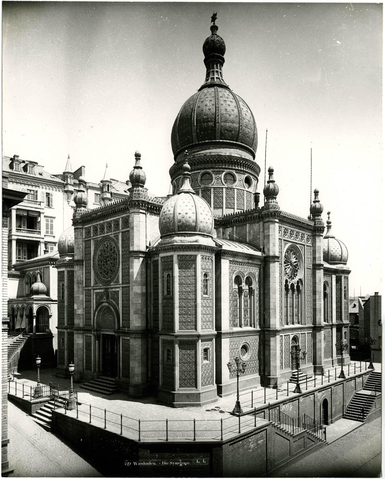 Wiesbaden. - Die Synagoge.
