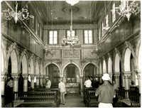 [Der grosse Gebetssaal der Wundervollen ist ein schönes Beispiel andalusischer Architekture]