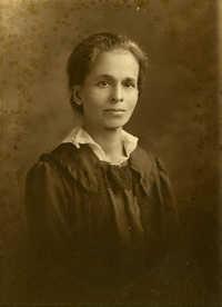 Portrait photograph of Mrs Dart