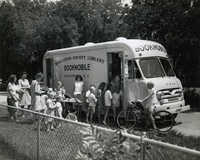 Bookmobile stopped in Riverland Terrace, James Island