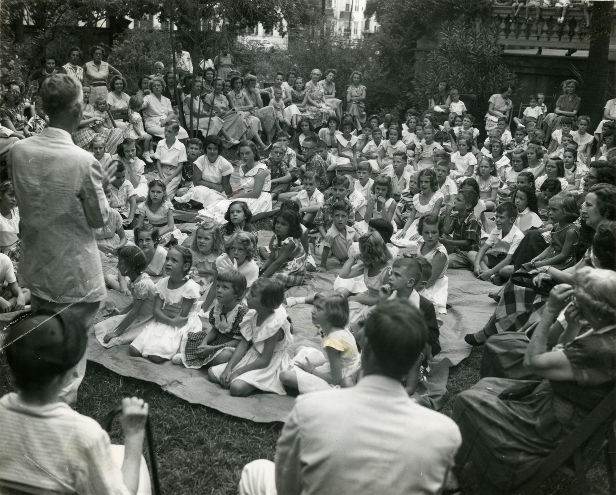 Summer reading closing exercises, Main Library, 1952 (1)