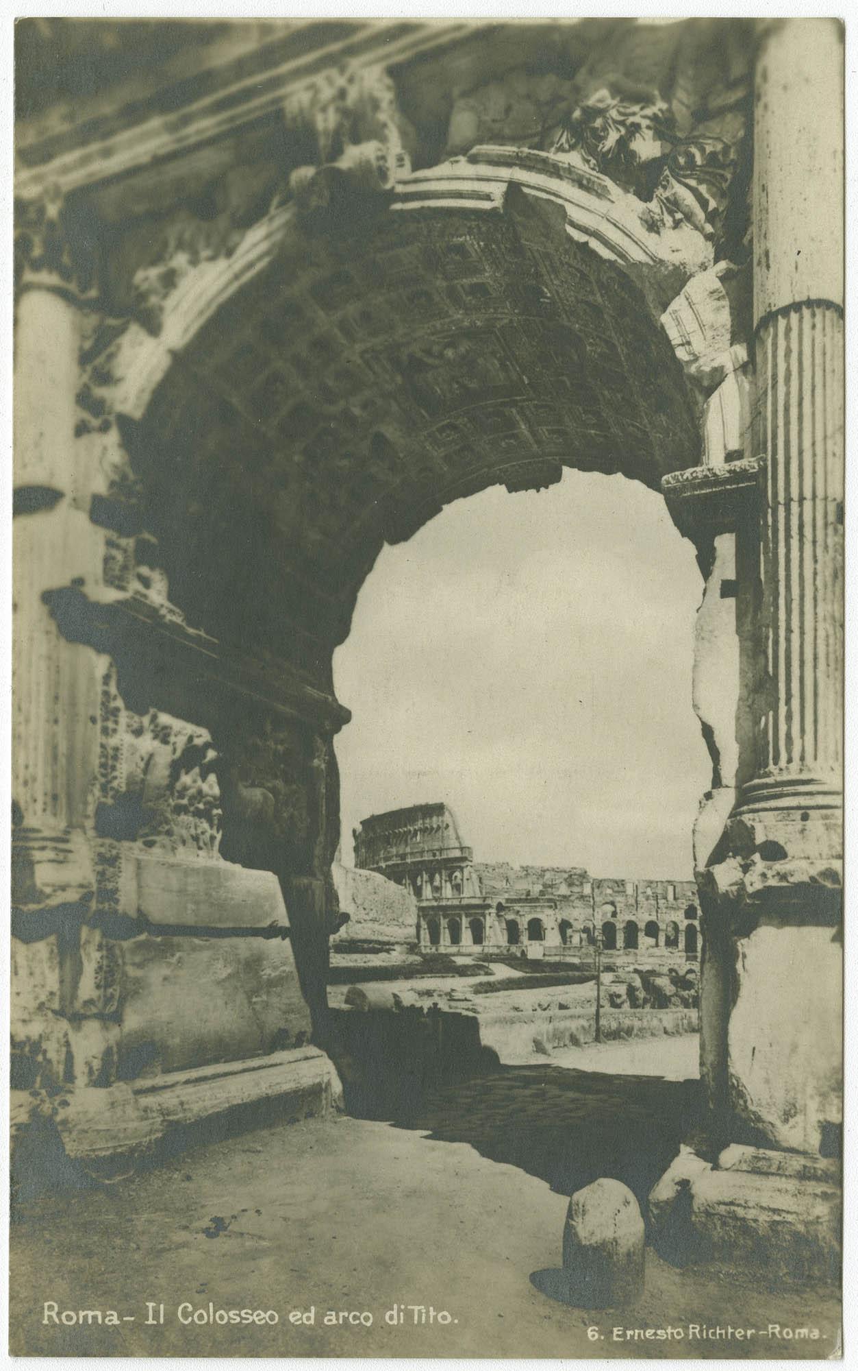 Roma - Il Colosseo ed arco di Tito