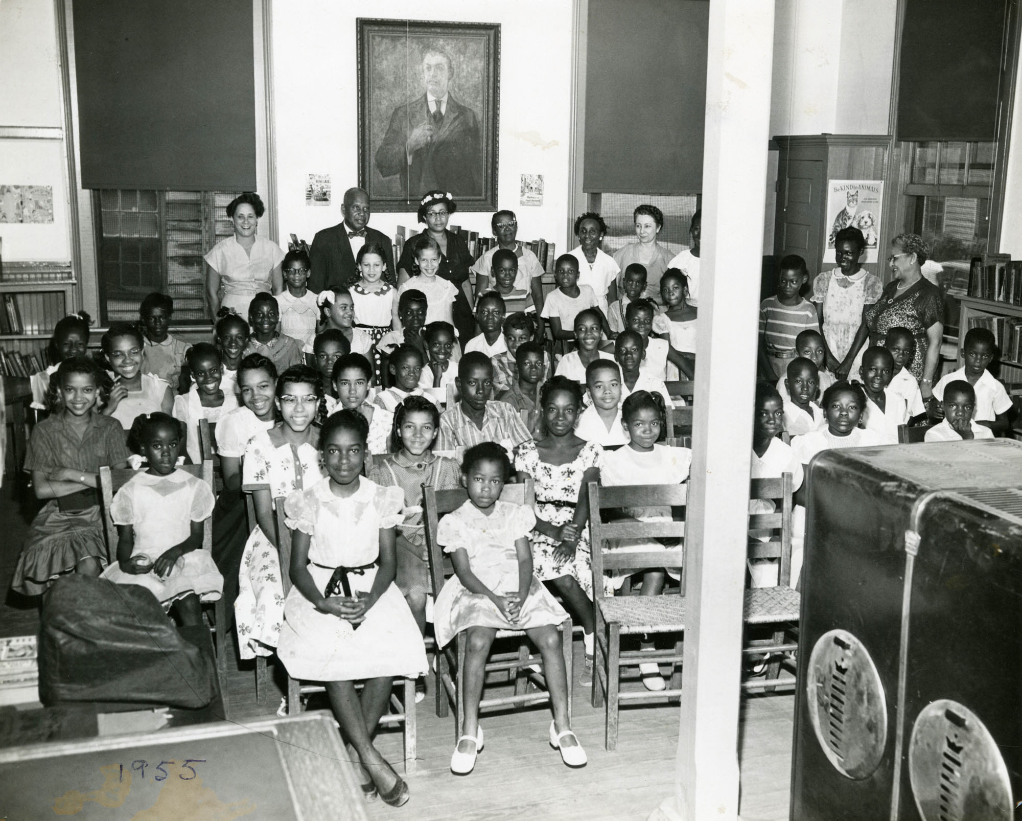 Summer reading closing exercises, Dart Hall Branch Library, 1955 (1)