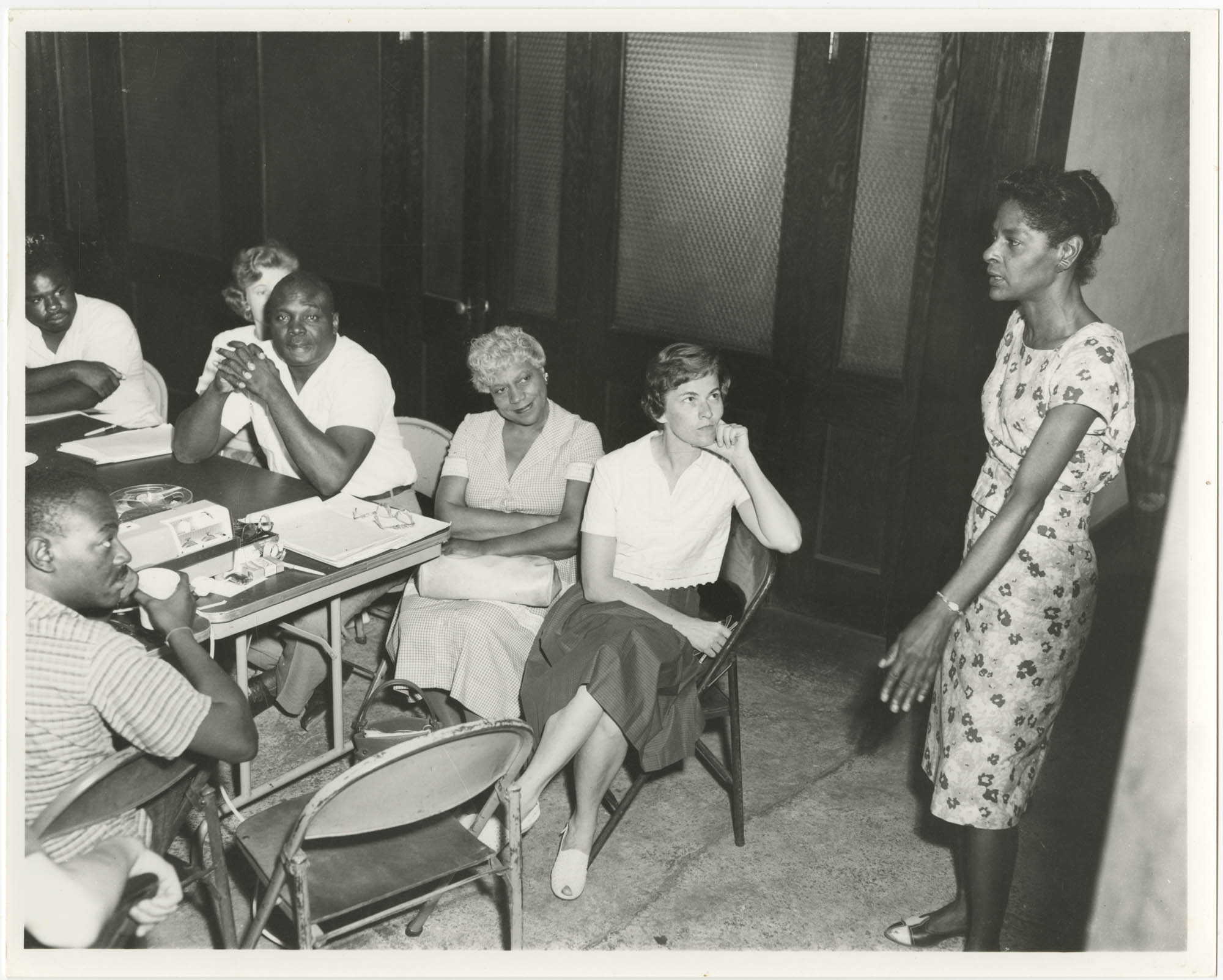 Photograph of Bernice Robinson Teaching