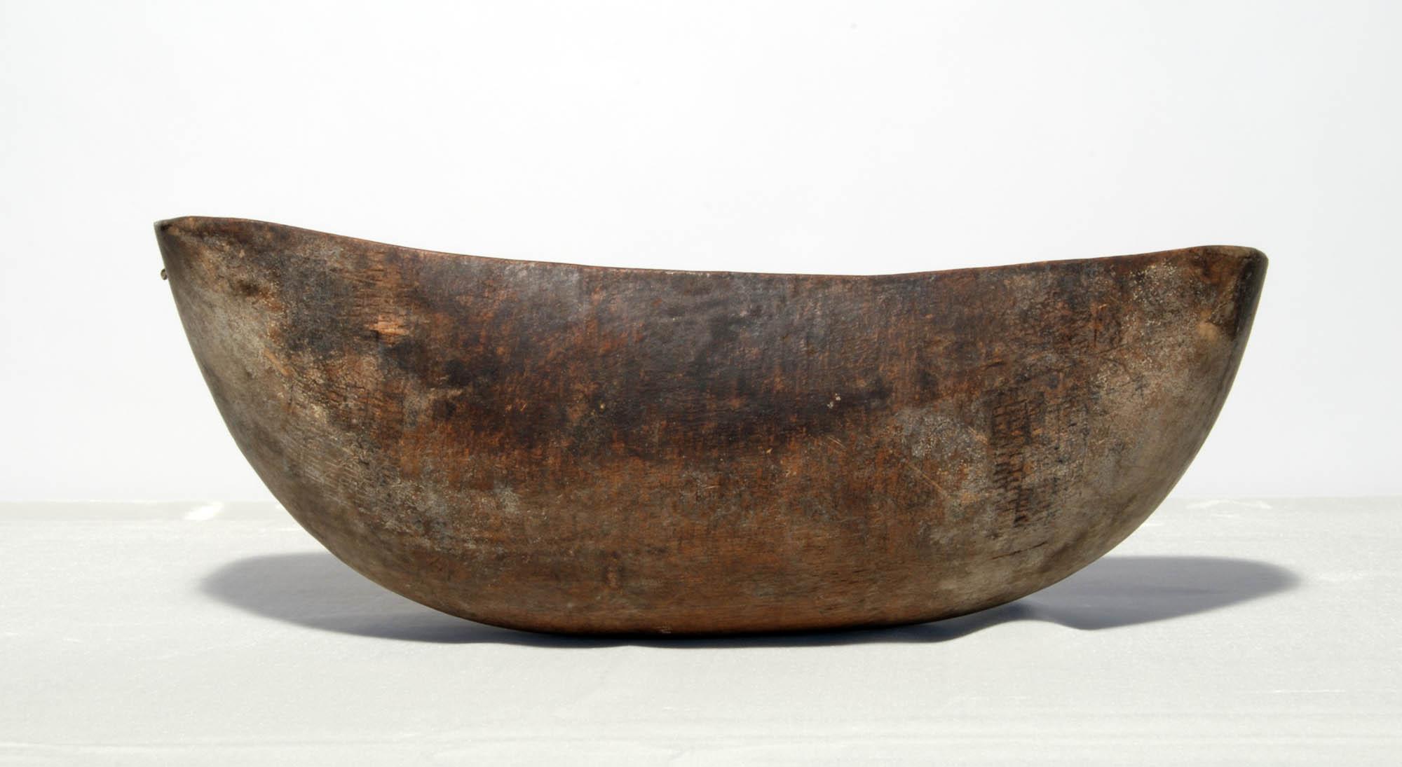 Atubwa (wooden bowl)