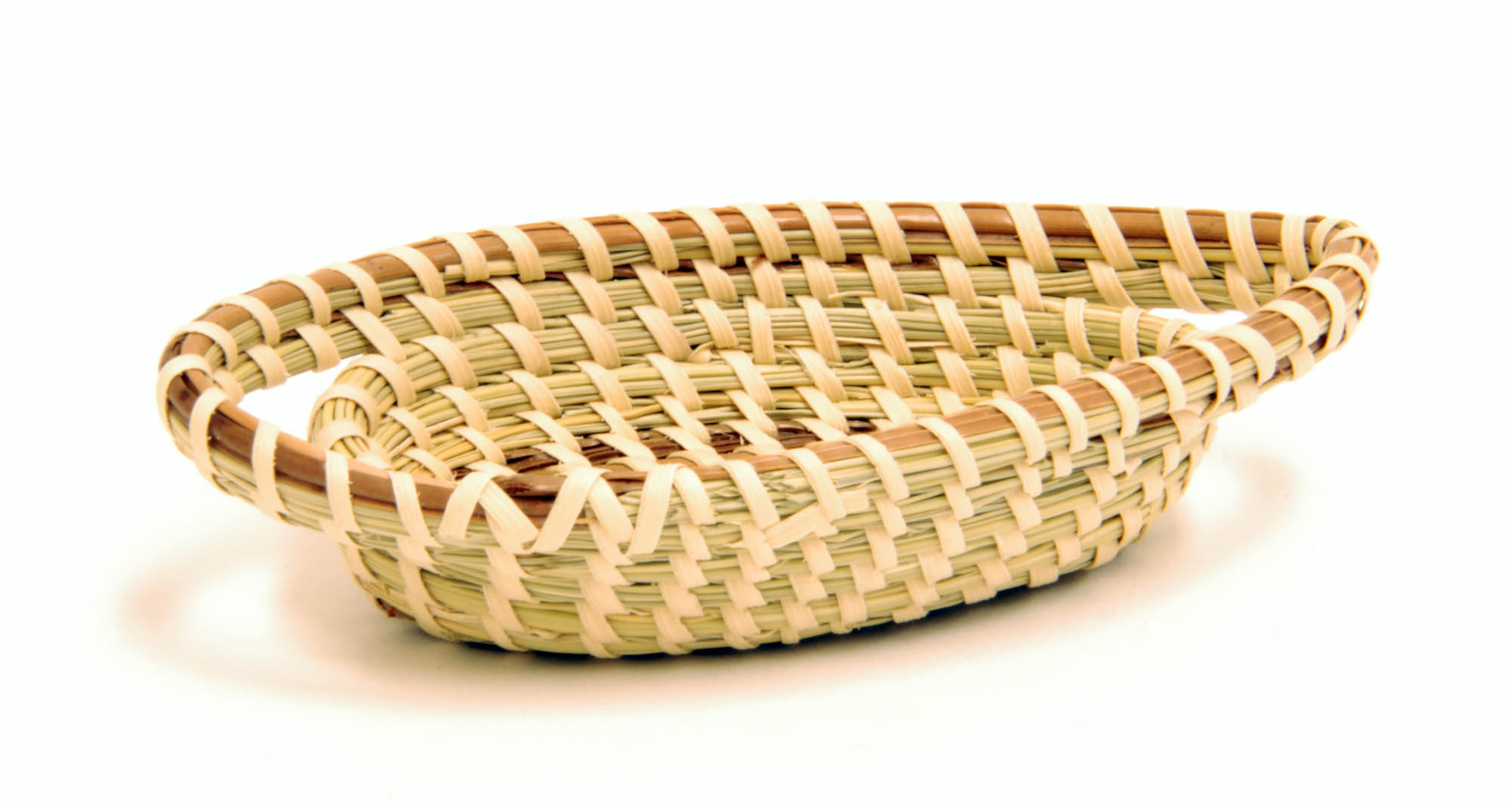 Miniature sweetgrass basket (Miniature bread basket)
