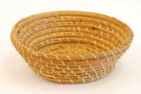 Round bulrush basket