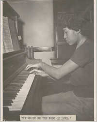 Photograph of Pianist at Talladega College