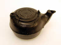 Cast iron pot (cauldron)