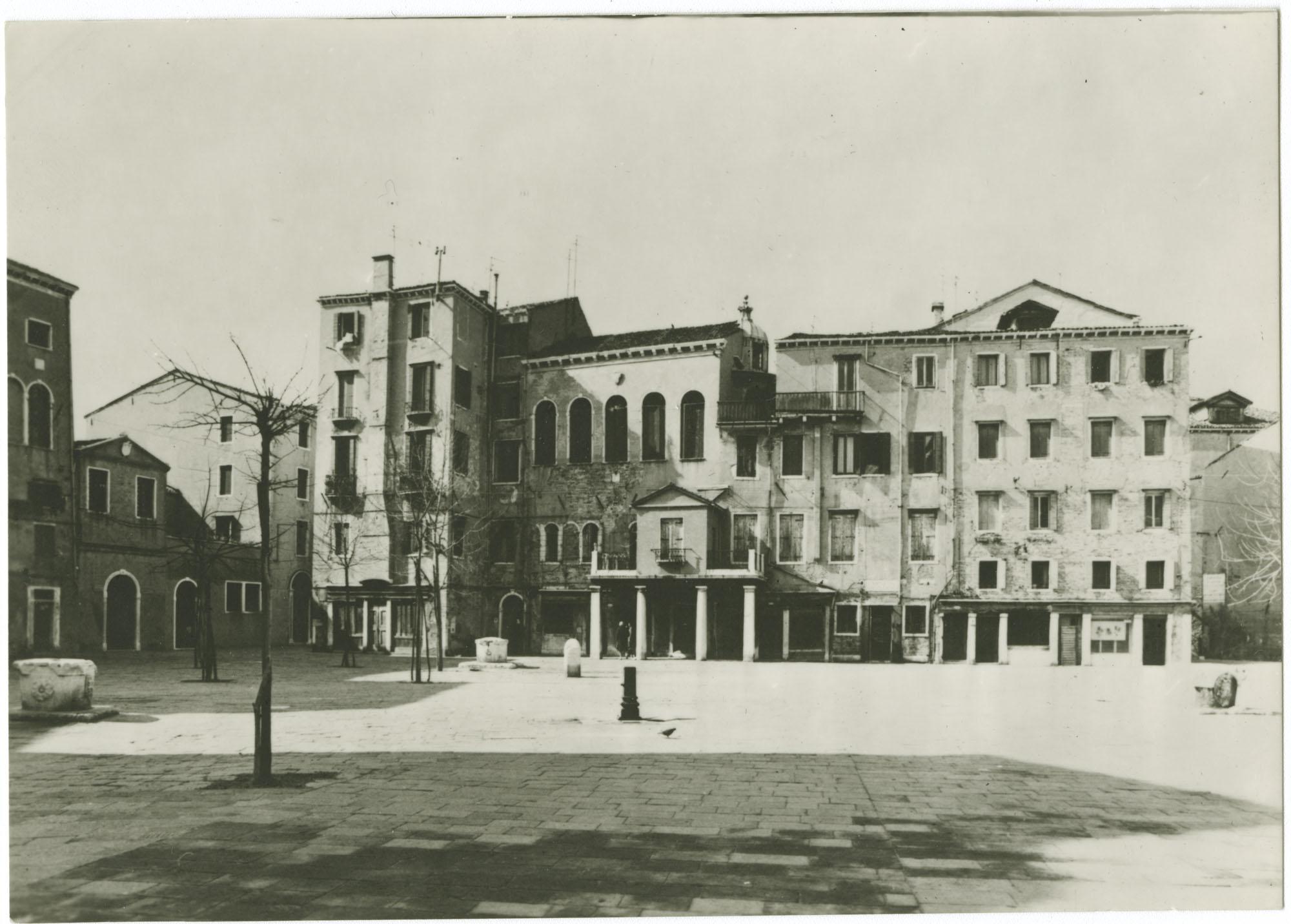 Venezia - Campo di Ghetto vecchio e Scuola Italiana
