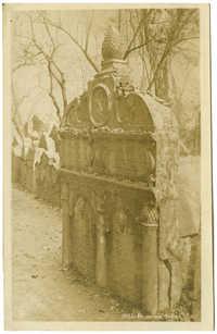 Praha : Pomník Rabina Lowy