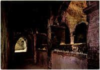 ירושלים - הר ציון, הדלקת נרות לזכור דוד המלך בחצר הקבר / Jerusalem - Mt. Zion, candles burning to the memory of King David / Jerusalem - Mt. Zion, chandelles en mémoire du Roi David