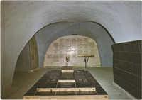 ירושלים - הר ציון. מרתף השואה - מצבת הזכרון למחנות ההשמדה