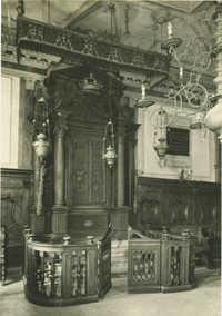 Tempio Italiano - Arca sacra contenente la Bibbia
