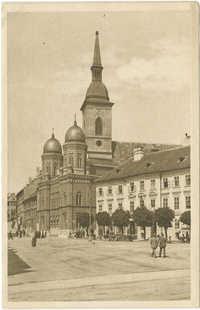 Bratislava. -- Synagoga a Dom sv. Martina.