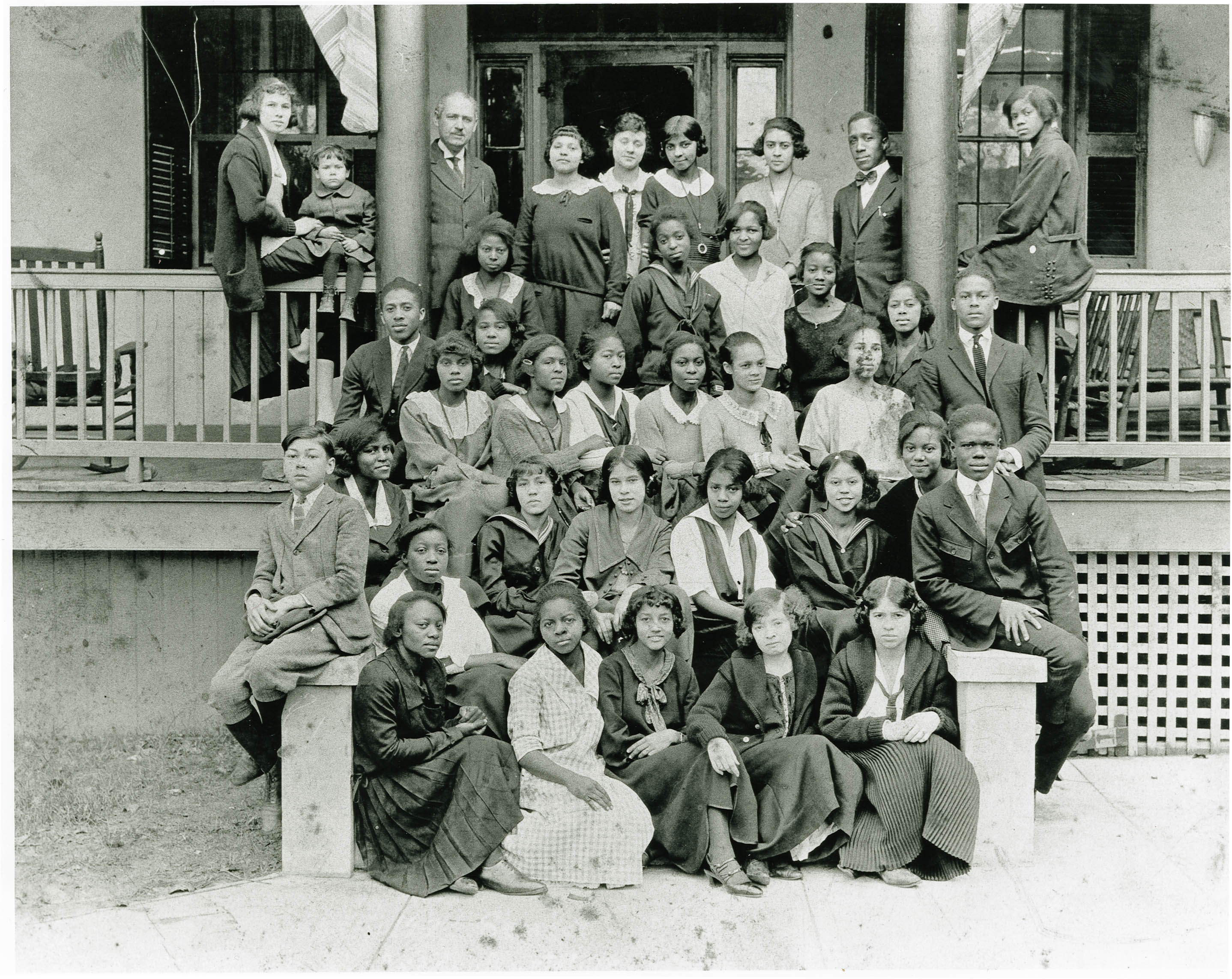 Avery Normal Institute Class on Grounds of School