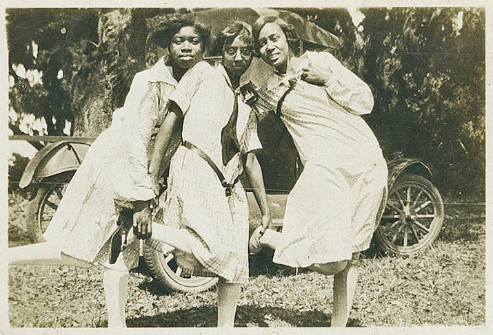 Three female Averyites Posing
