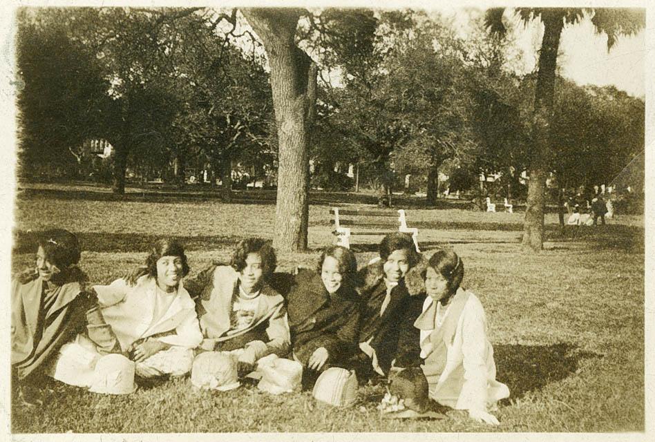 Six Female Averyites