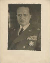 Mario Pansa in uniform, Photograph 3