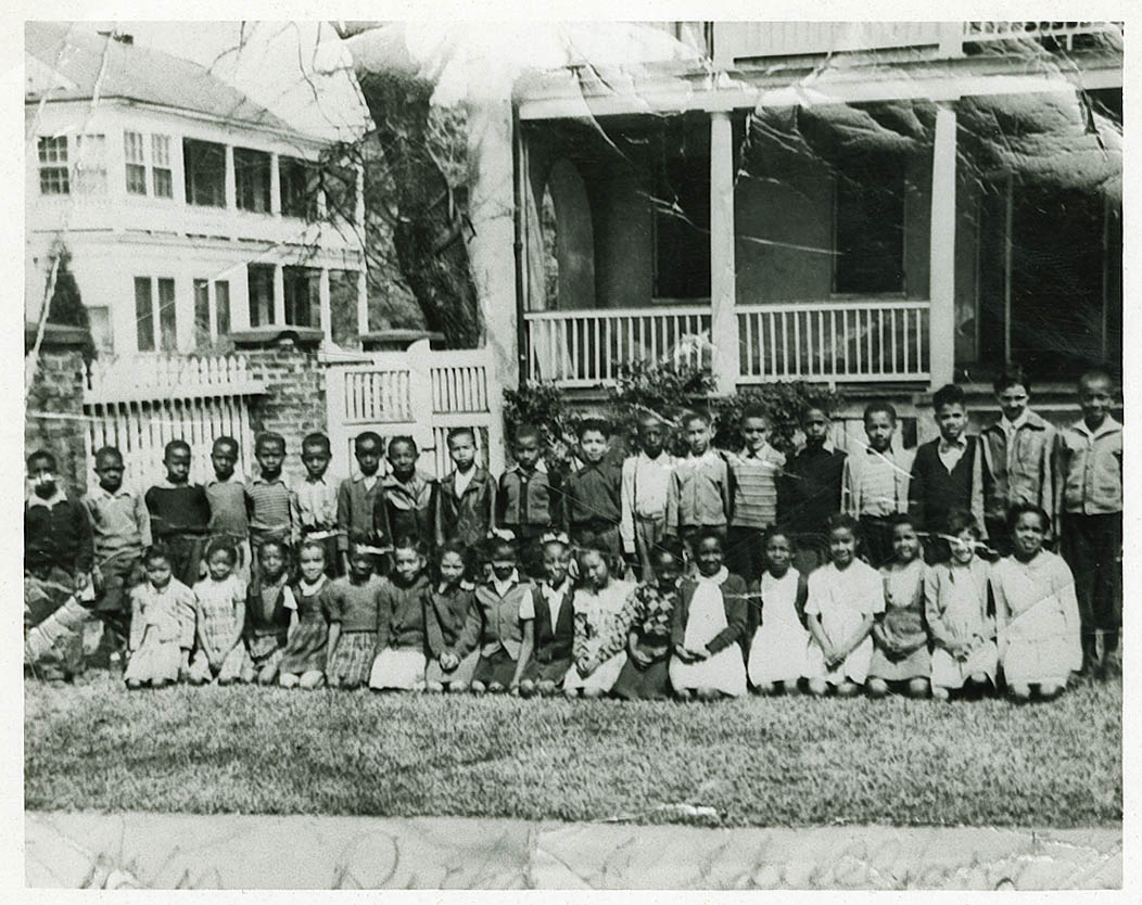 Class Picture of Young Avery Students