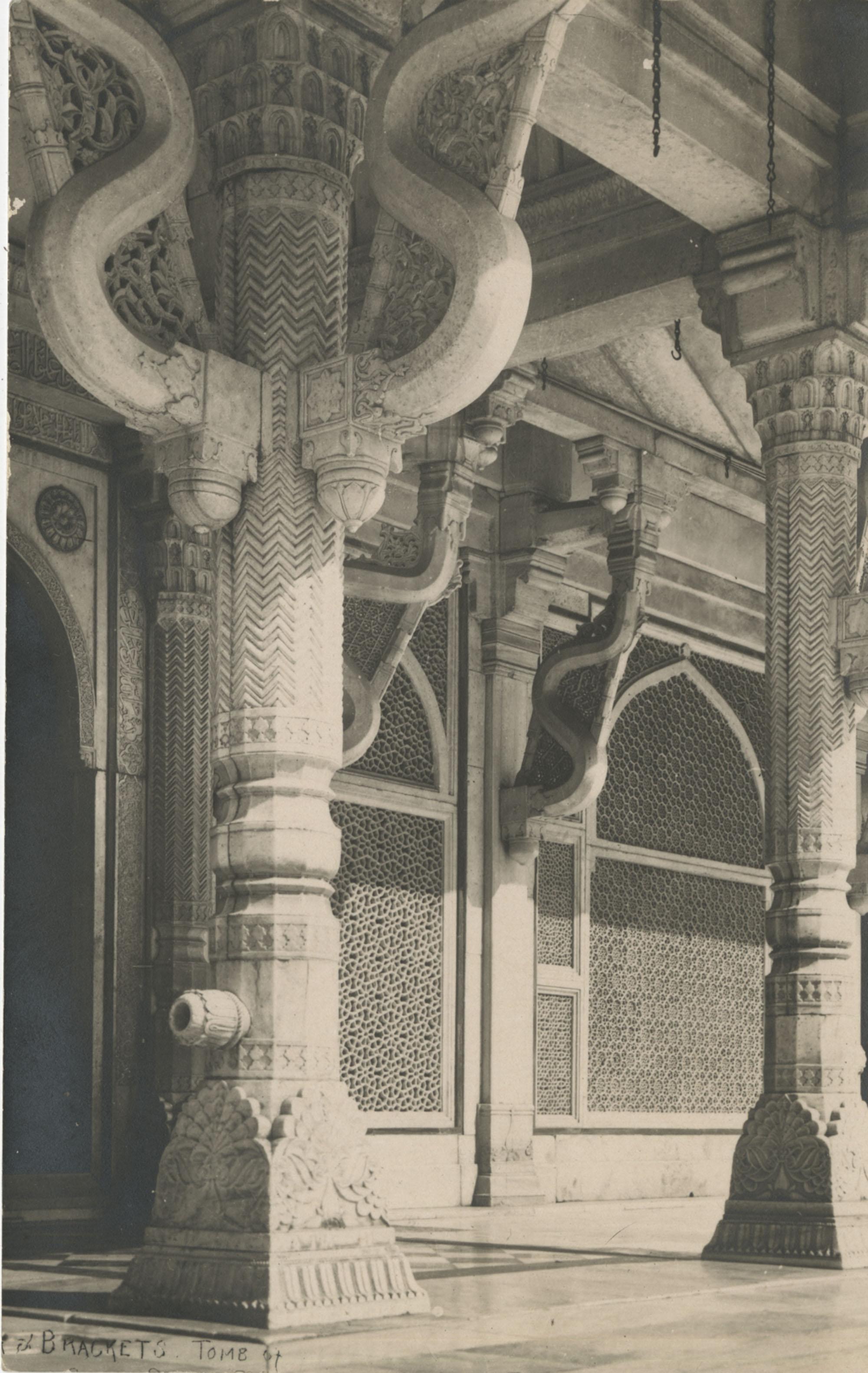 Pillars in 'Viaggo,' an Indian building