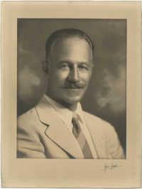 Portrait photograph of Hennen Legendre