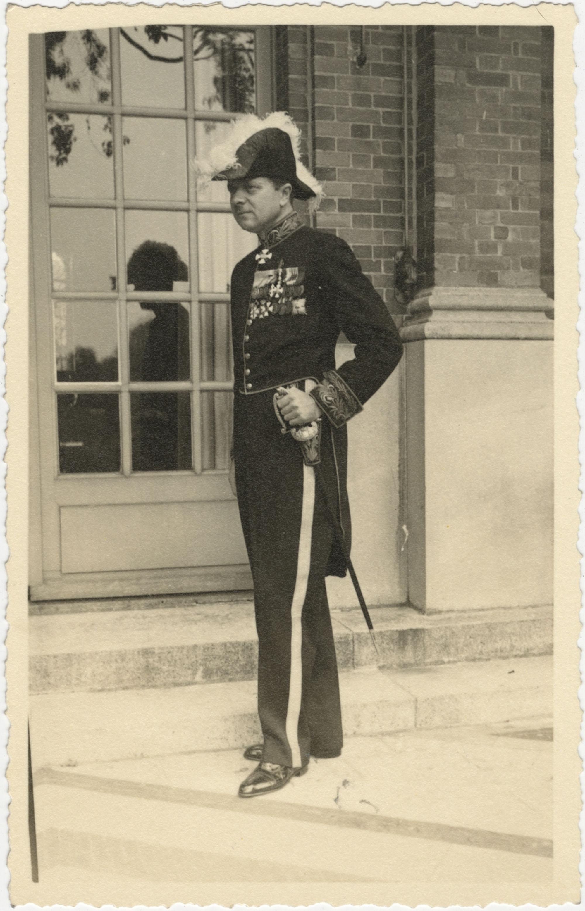 Mario Pansa in full dress uniform, Photograph 1
