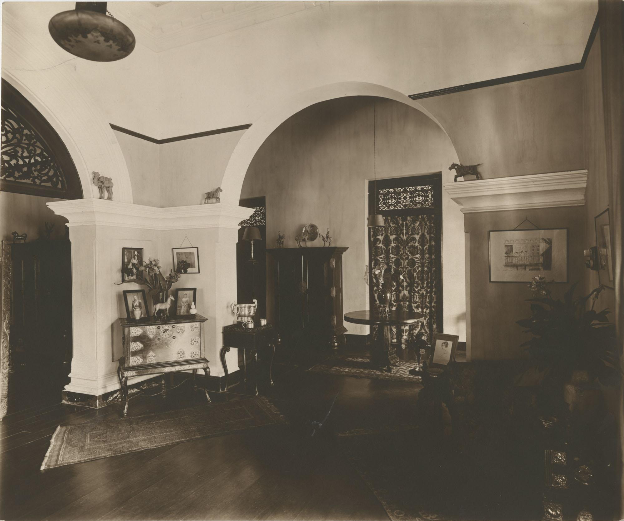 Interior of the Royal Italian Consul in Sri Lanka, Photograph 3