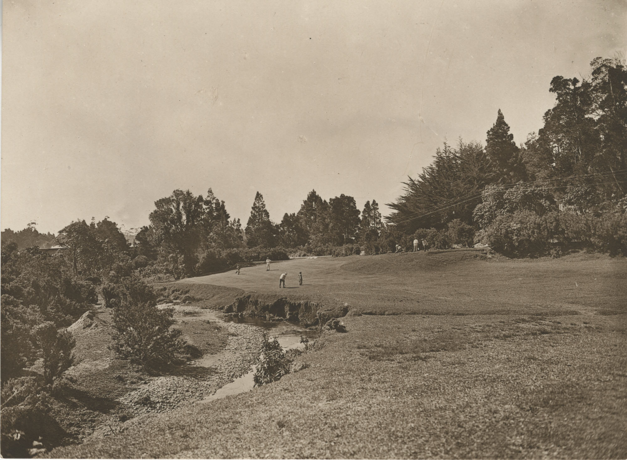 Unidentified persons golfing in Sri Lanka, Photograph 2