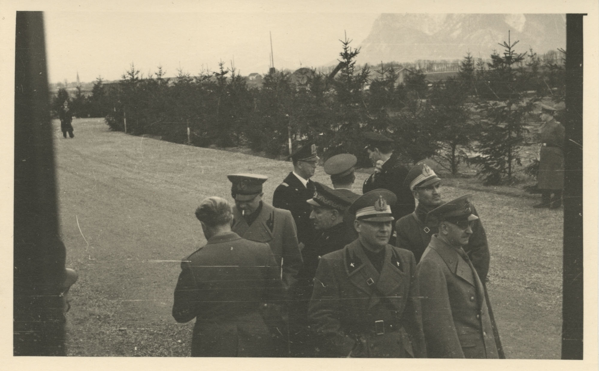 Mario Pansa greeting military personnel, Photograph 3