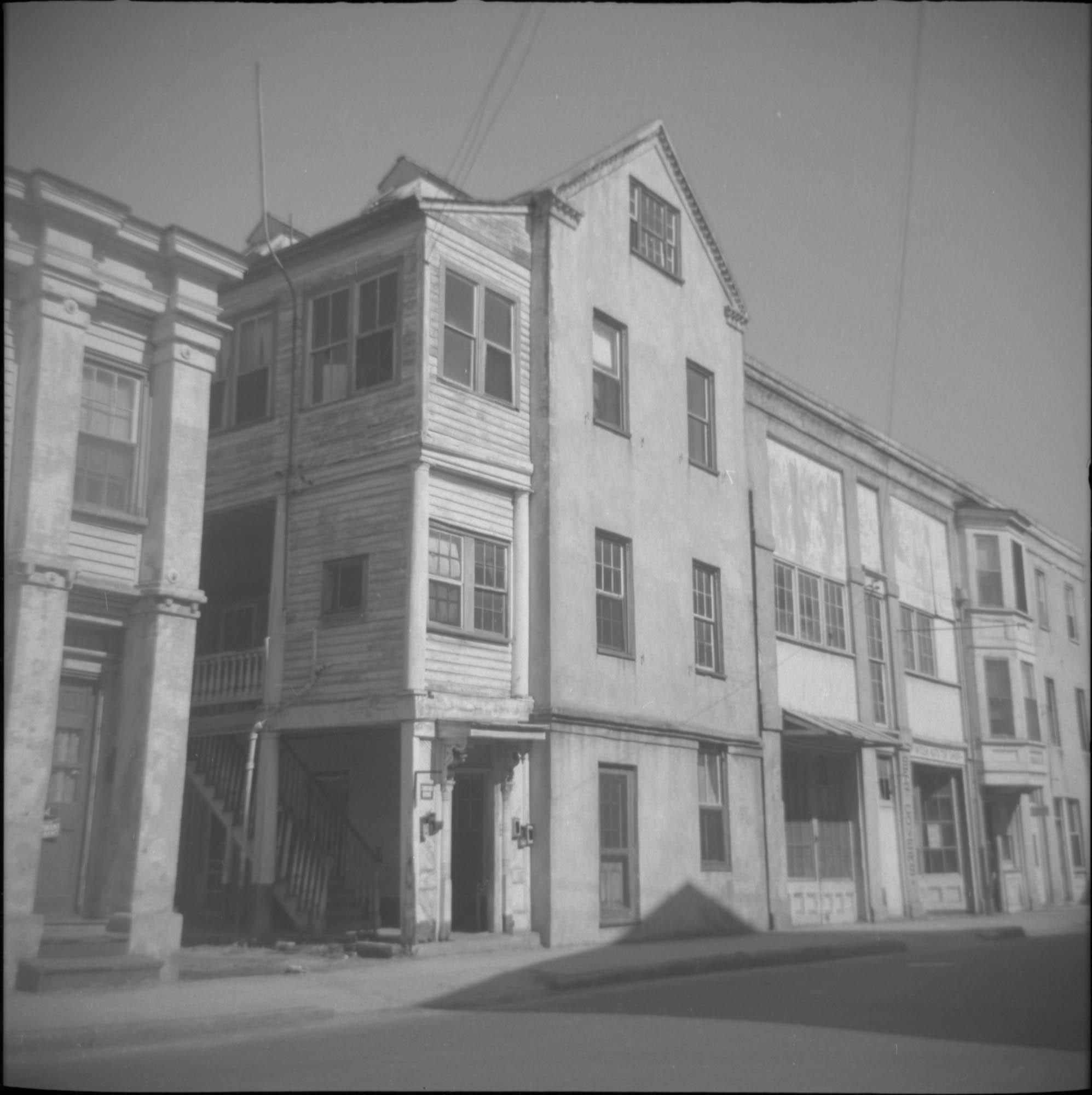 42 Wentworth Street