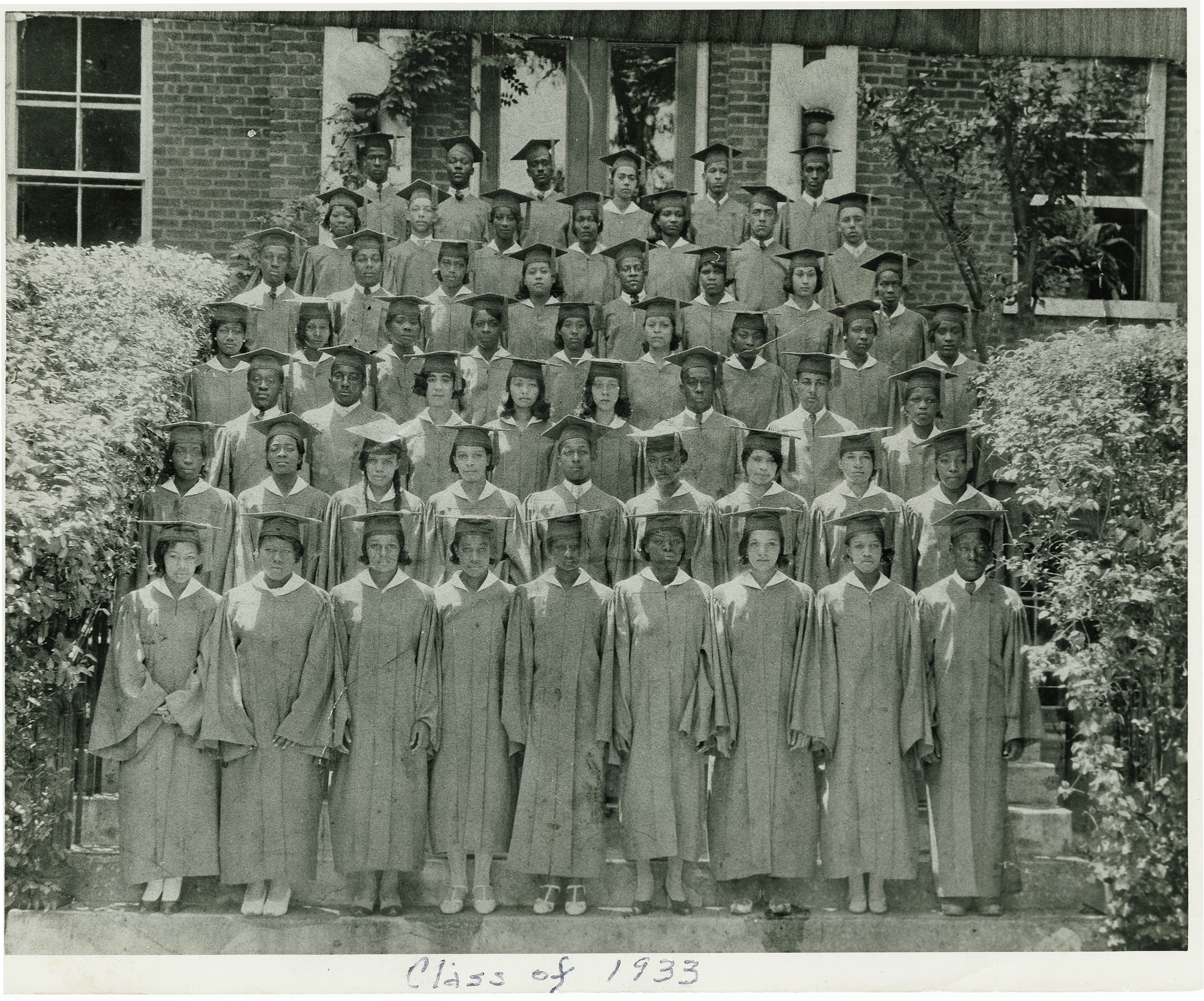 Class of 1933 Avery Graduation Picture