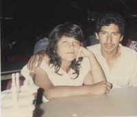 Fotografía de una pareja de jóvenes migrantes  /  Photograph of Young Migrant Couple