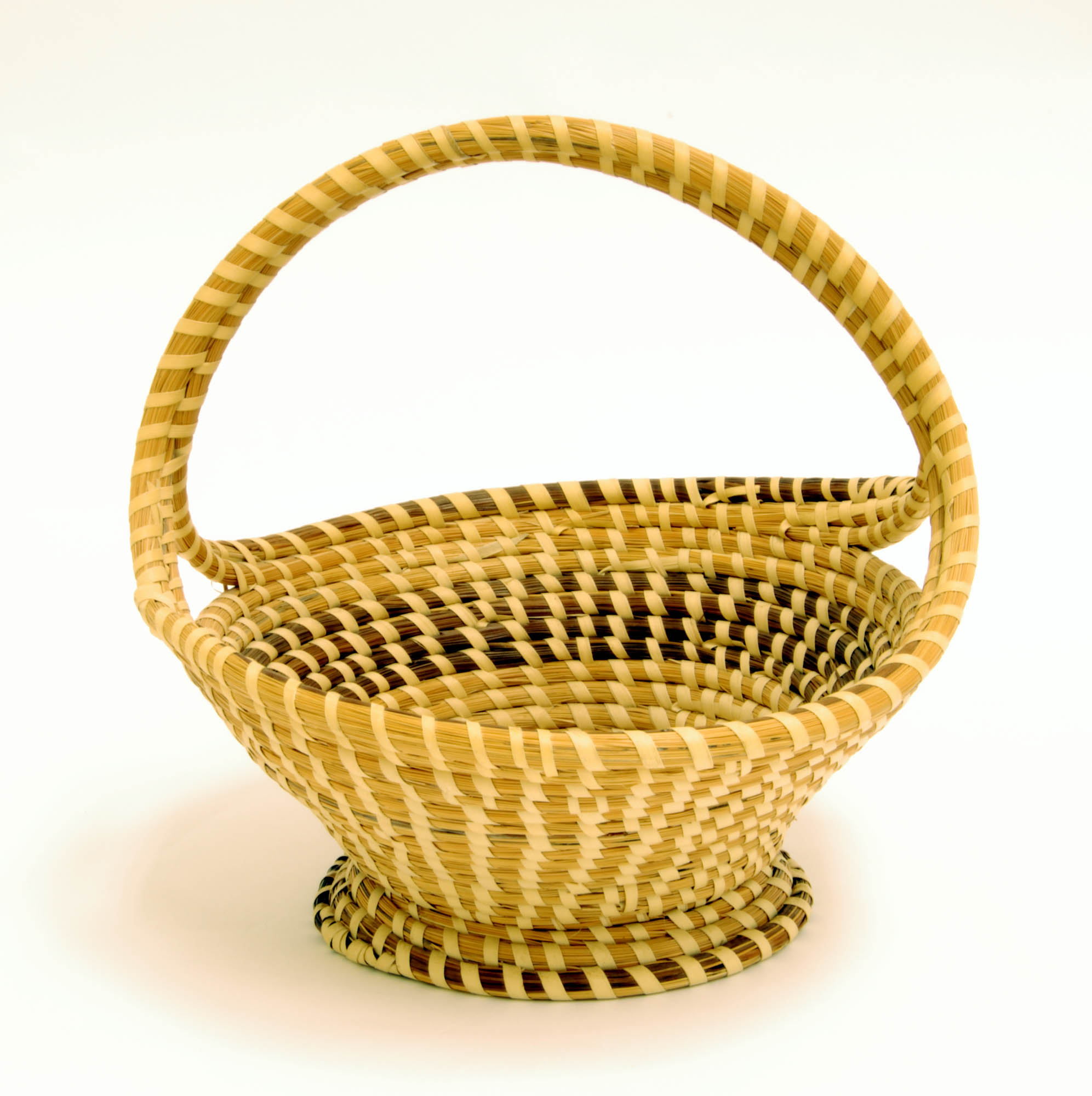 Traditional sweetgrass fruit basket with handle
