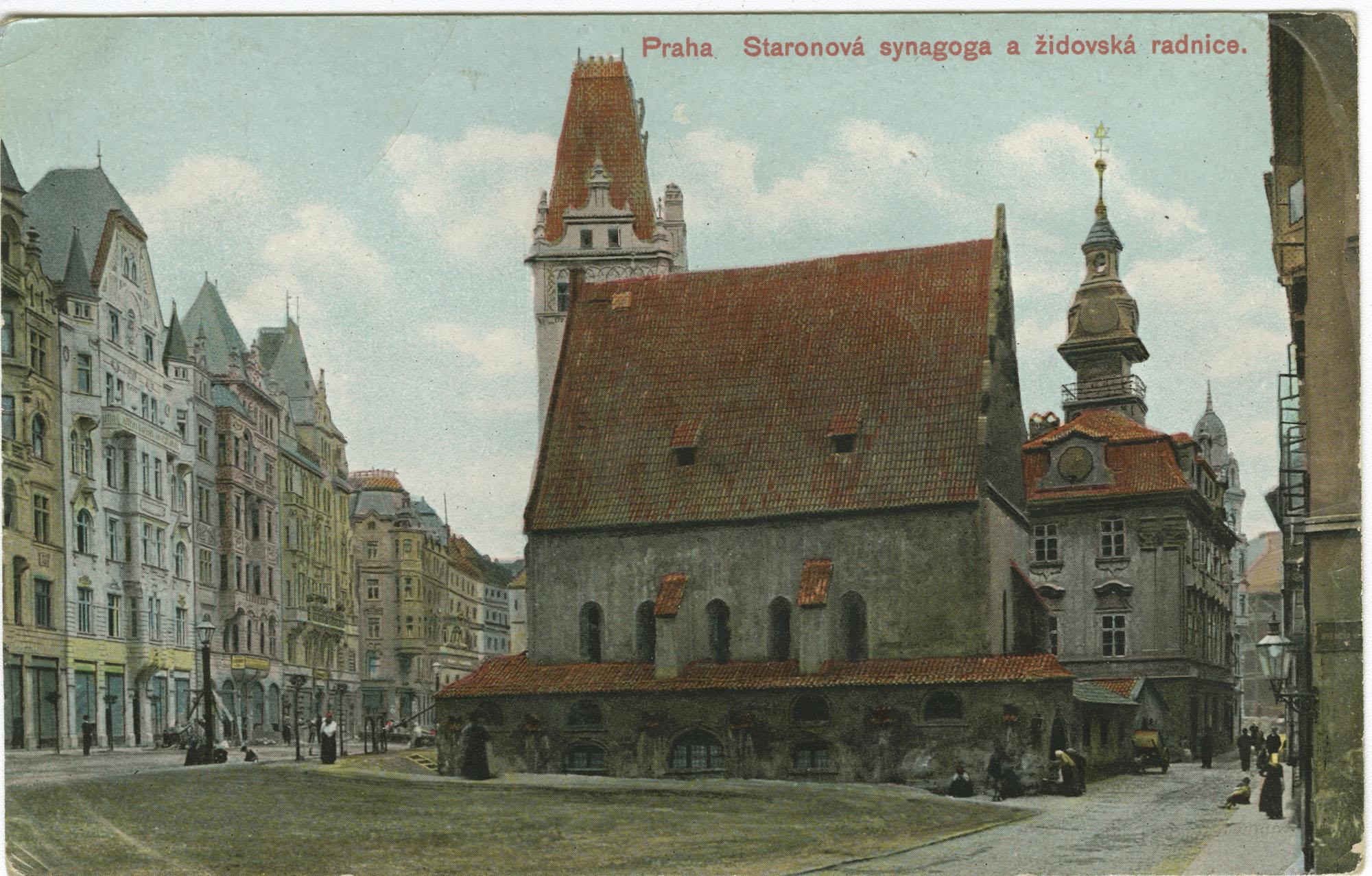 Praha. Staronová synagoga a židovská radnice.