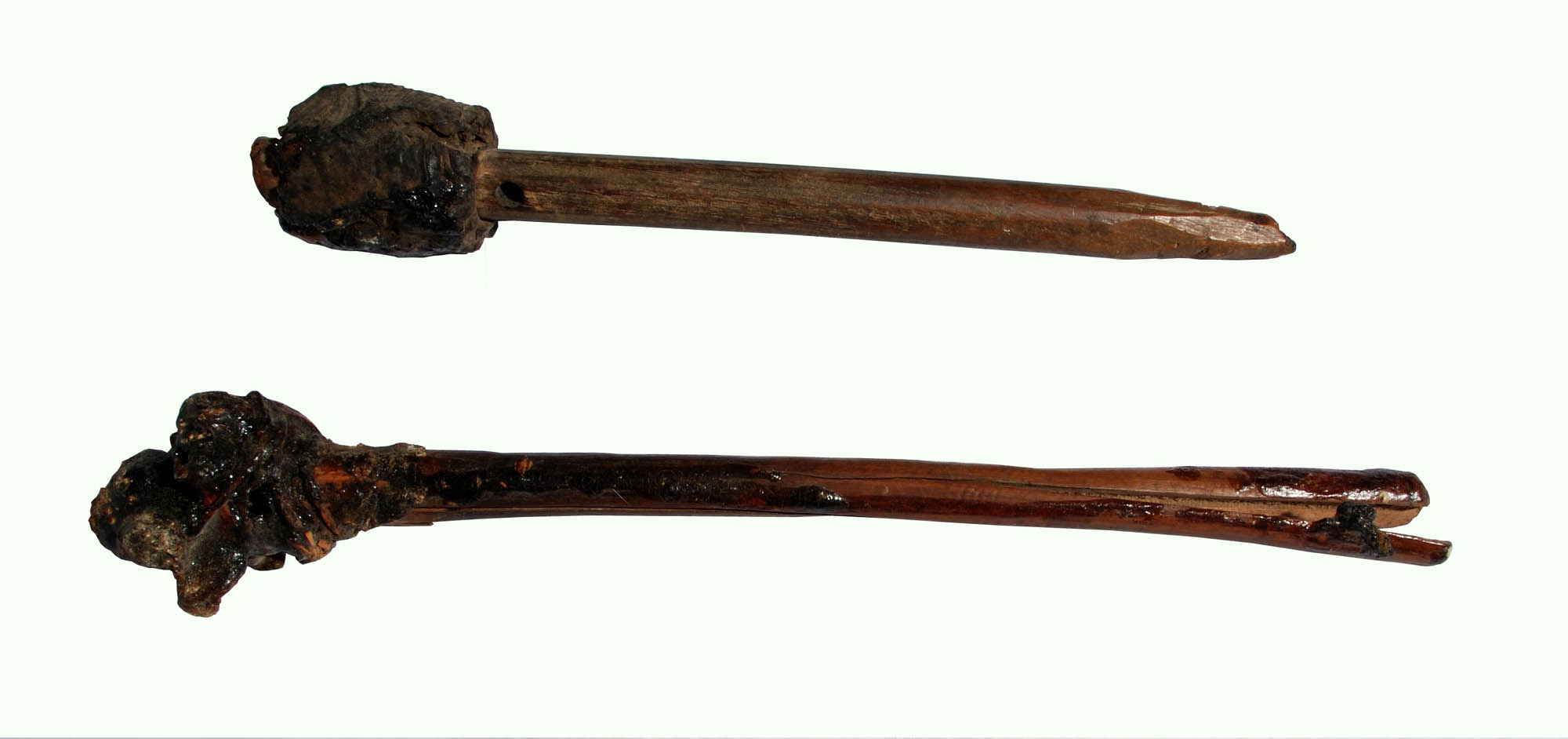 Wooden drumsticks for use with slit gong