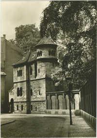 Praha. Starý židovský hřbitov - márnice.