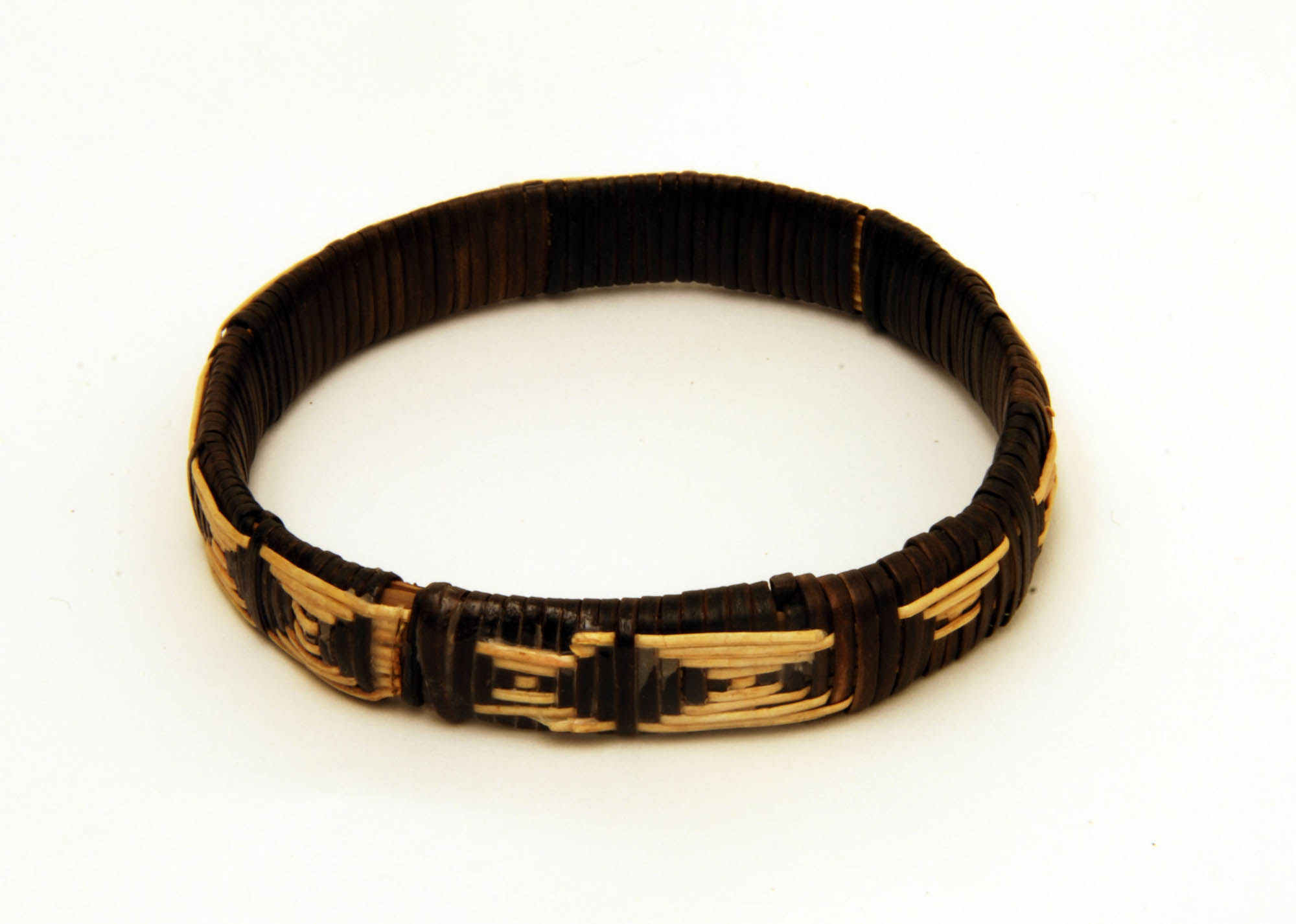 Raffia bracelet