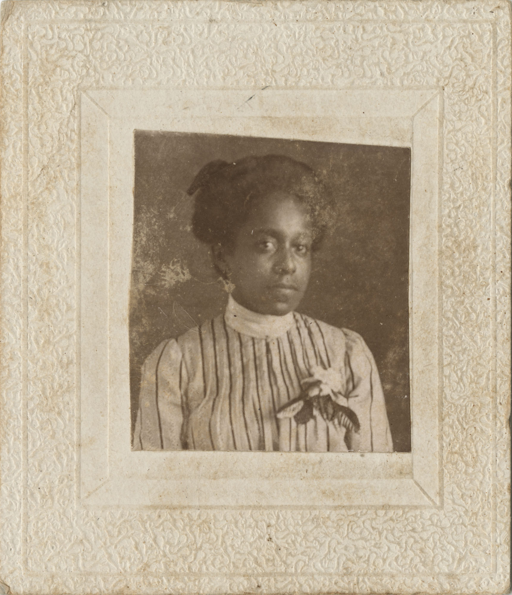 Photo of an Unidentified African American Woman