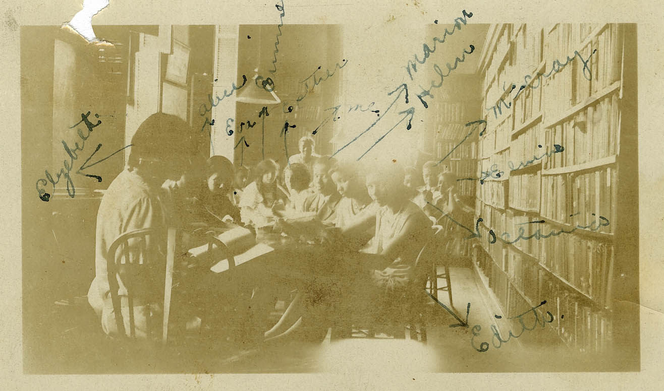 Avery Students Studying