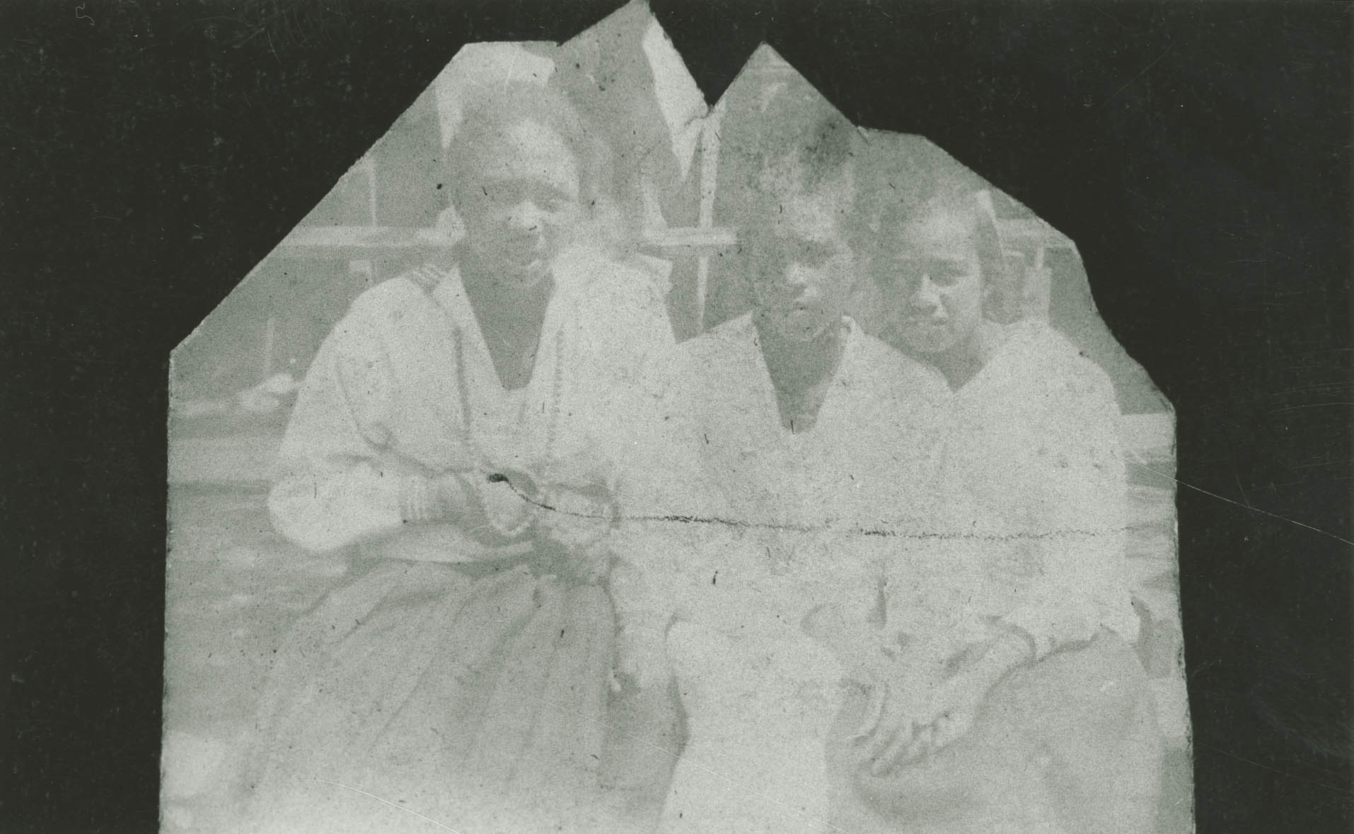 Three female Avery Students