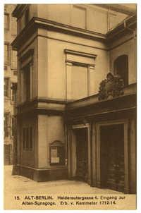 Alt-Berlin. Heidereutergasse 4. Eingang zur Alten-Synagoge. Erb. v. Kemmeter 1712-14.