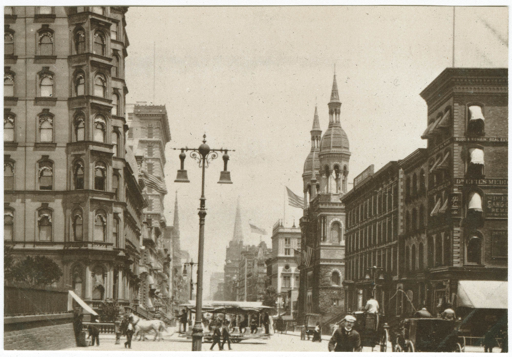 Corner of 5th Ave. and 42nd St., with the old Temple Emanu-El in the background, 1898
