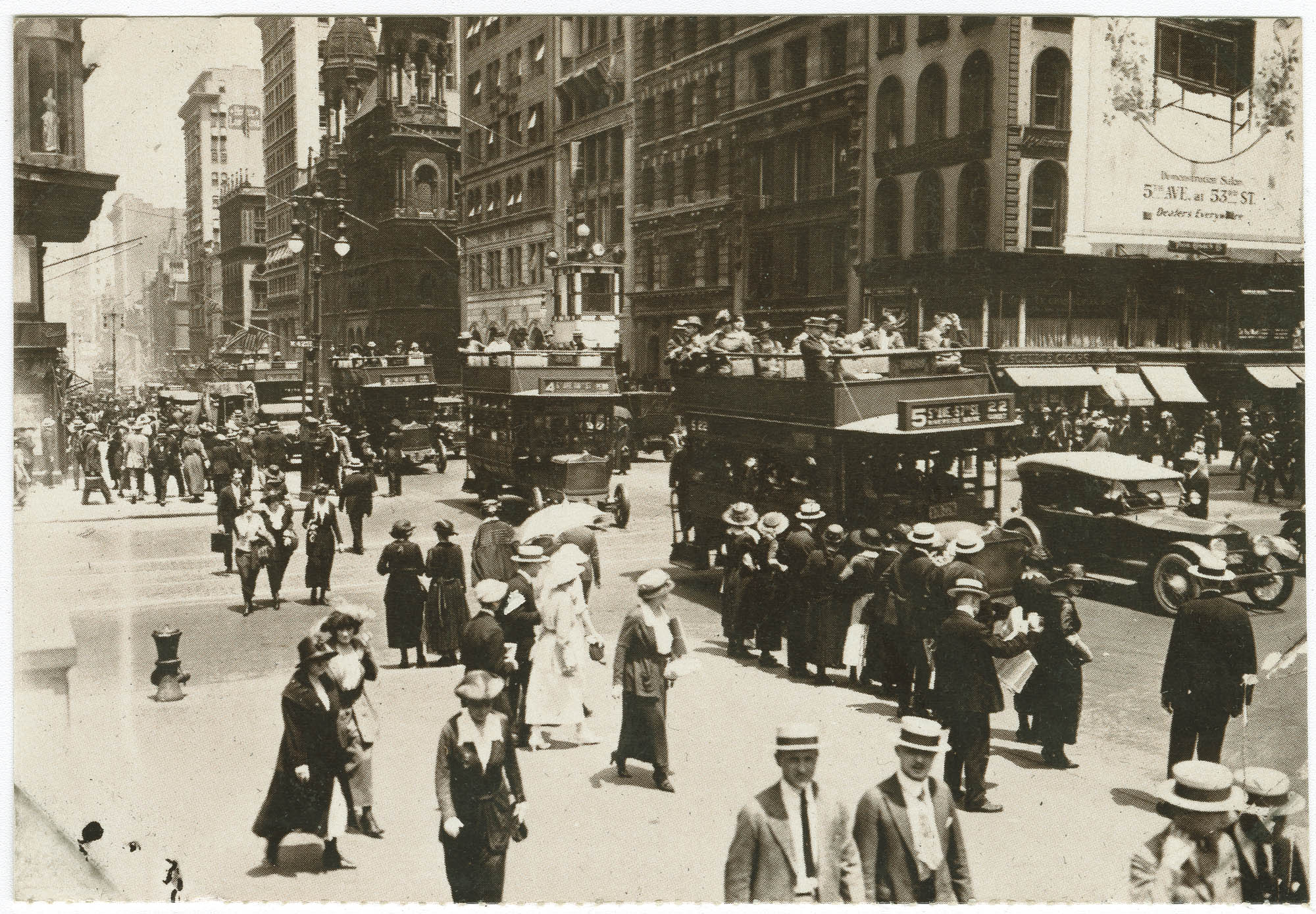Corner of 5th Ave. and 42nd St., with the old Temple Emanu-El in the background, 1920