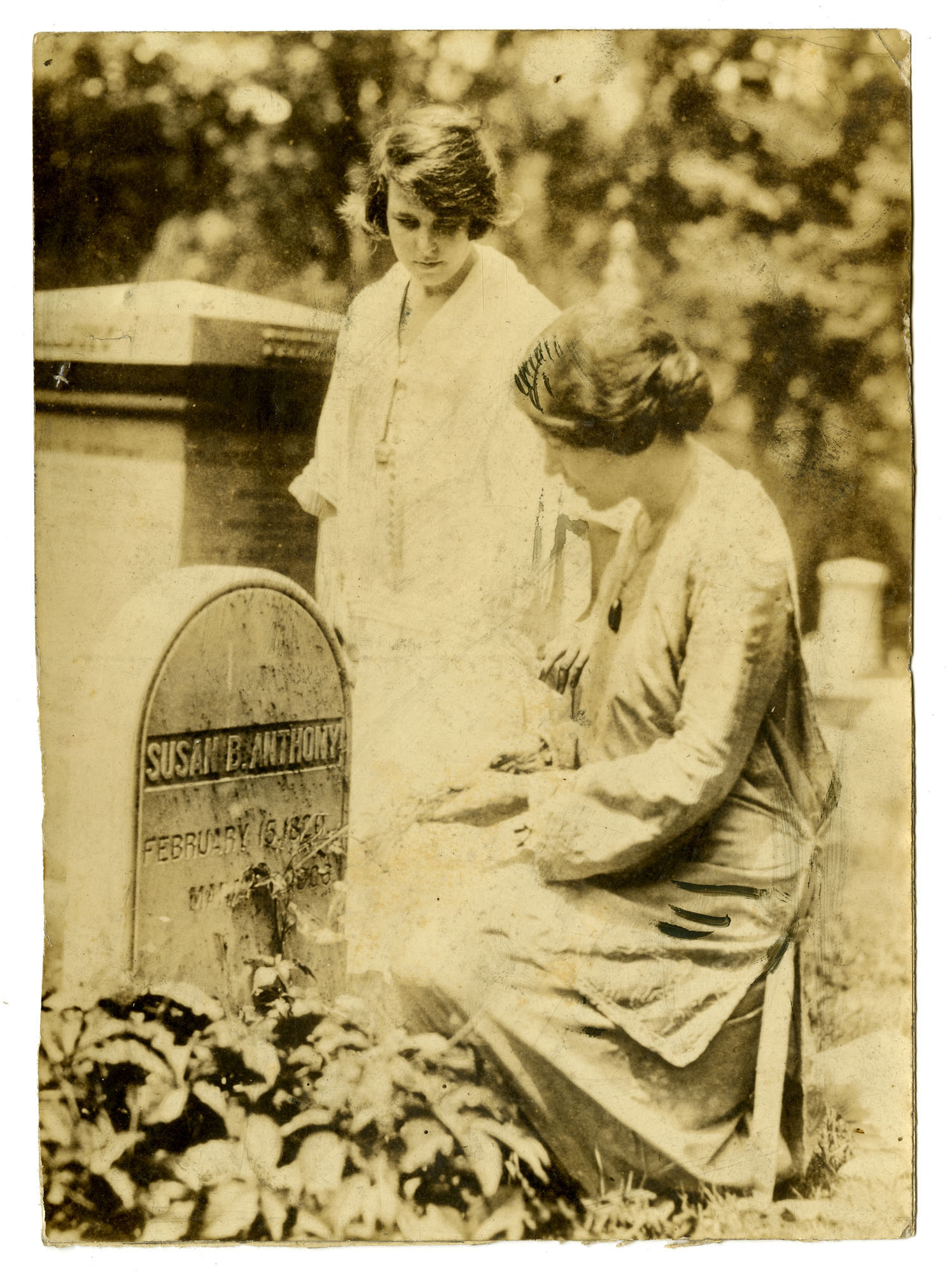 Alice Paul and Anita Pollitzer at Susan B. Anthony's grave