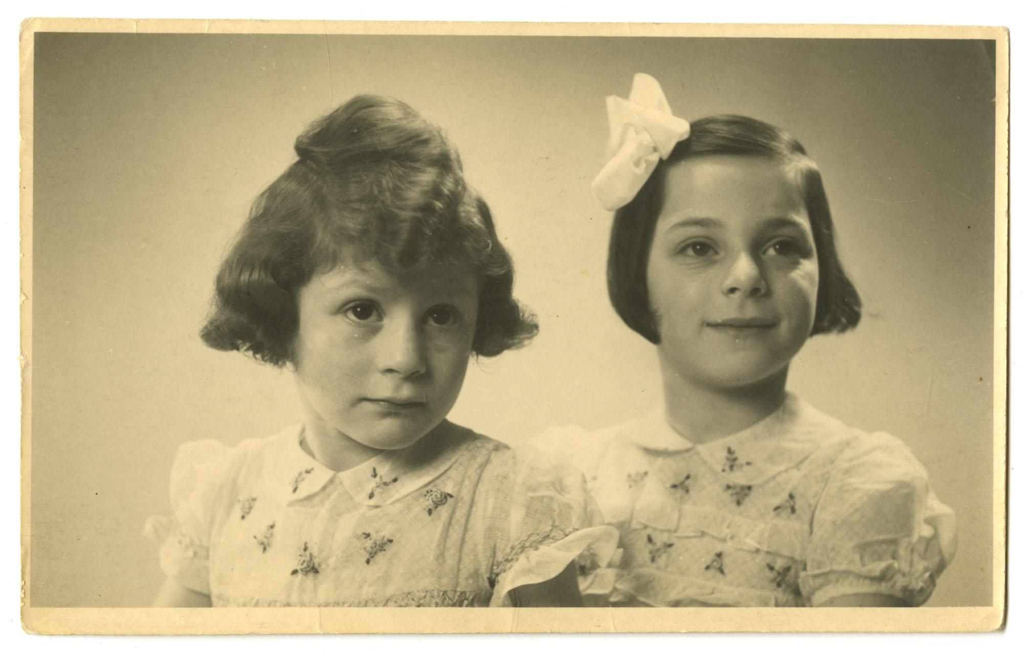 Roosje and Dientje Krant, 1945