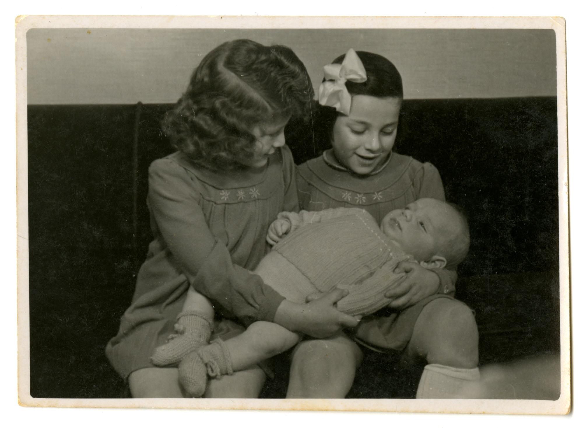 Roosje, Dientje, and Jacob Krant, 1946