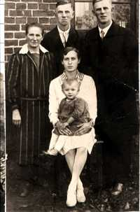 Erika Blas' (nee Stockfleth) family 1929