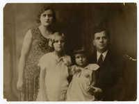 Ajzensztark family, circa 1930