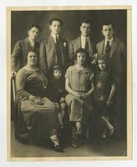 Ajzensztark family, circa 1913